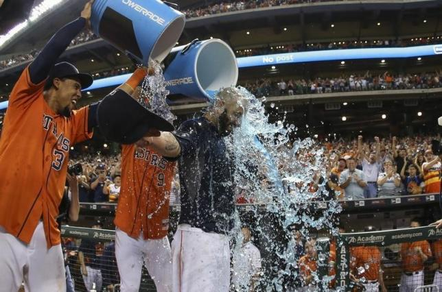 Fiers throws no-hitter to down Dodgers
